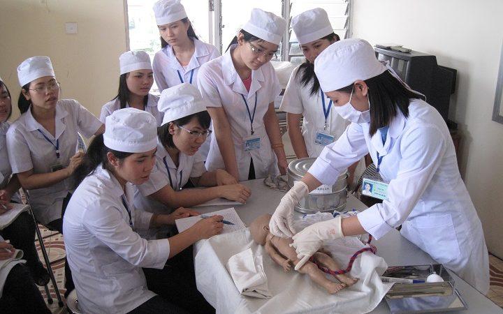Chia sẻ các tiêu chí chọn trường Cao đẳng Dược